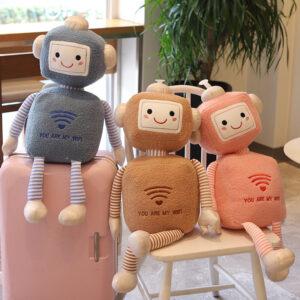 śmieszne pluszaki w kształcie robotów