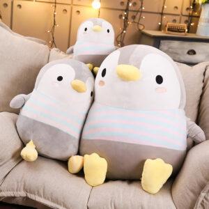 śmieszny pluszak w kształcie pingwina