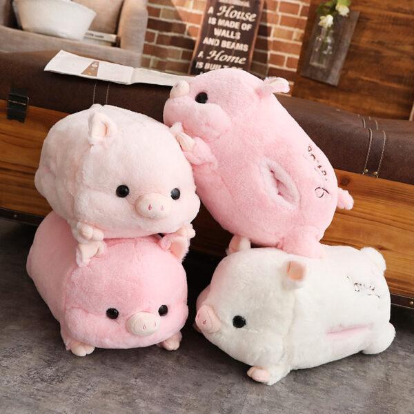 śmieszny pluszak w kształcie świnki