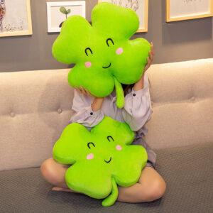 poduszki pluszowe w kształcie koniczyny