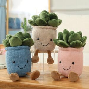 śmieszne pluszaki w kształcie roślin
